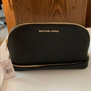 BRAND NEW W/ TAGS MICHAEL KORS BLACK TRAVEL POUCH